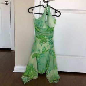 🎀3/$25🎀 Beautiful floral halter dress